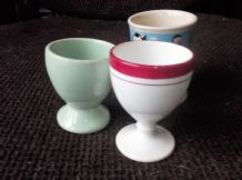 3 X VINTAGE EGG CUPS DECO GREEN + CERISE RING RIM + DENNIS & GNASHER ?